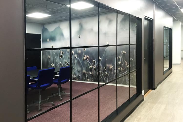 AKUprintti akustiikkalevy seinävisuaalit Nordic Semiconductorille Ouluun
